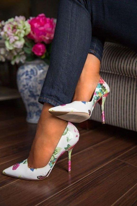 Na počátku nohy v botách na podpatcích netrapte moc dlouho 23d89e93c8