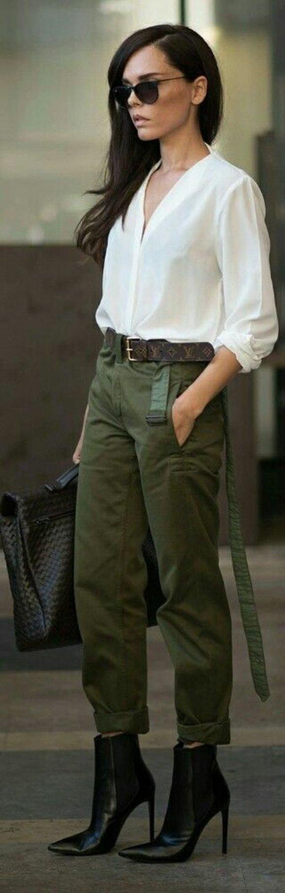 08c1a1216fea I vojenský styl umí podtrhnout ženskost   Pinterest. Army styl může ...