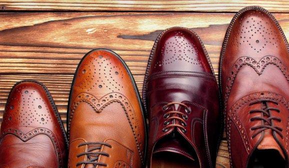 Klasické oxfordky dříve nosili výhradně muži   Shutterstock d21e993858