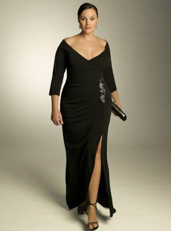 6af33b06ace I ženy s nějakým tím kilogramem navíc mohou ve společenských šatech vypadat  skvěle   Internet